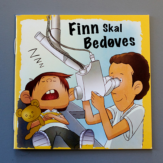 Denne bog udleveres når børn skal bedøves og have fjernet polypper eller have dræn i ørerne.